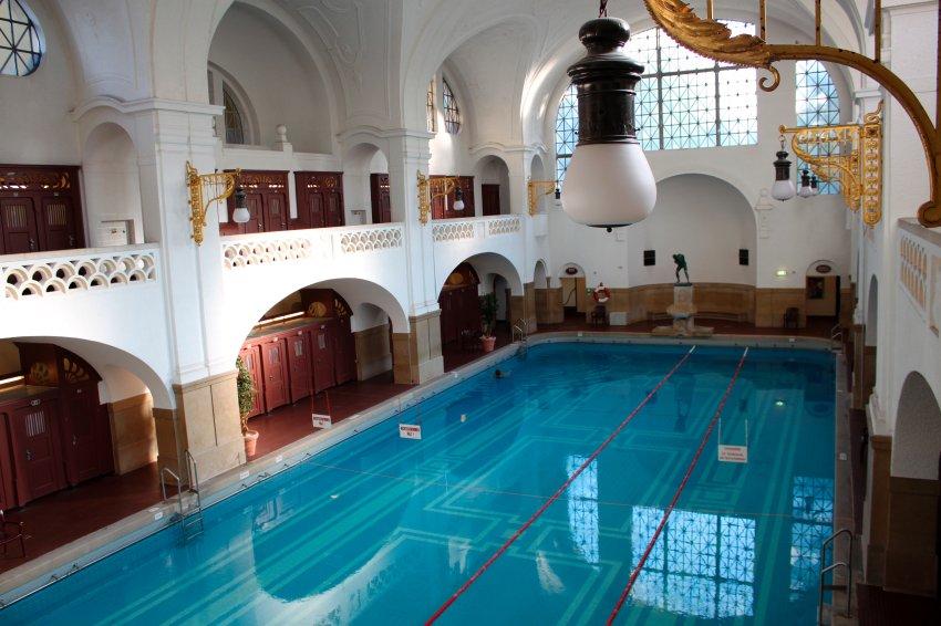 Общественные бани в Мюнхене, построенные в 1902 году, реконструированные в 2001 году