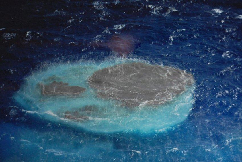 Подводные извержения вулкана у Эль-Йерро