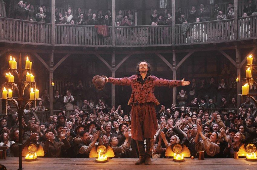 Рейф Сполл играет Шекспира