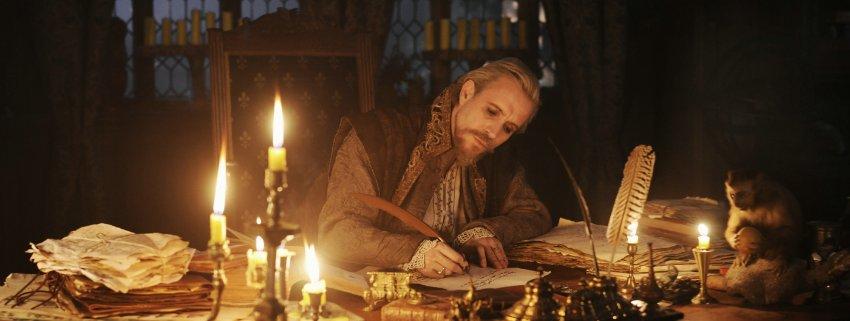 Рис Айфэнс играет Эдварда де Вер 17-го Граф Оксфорд