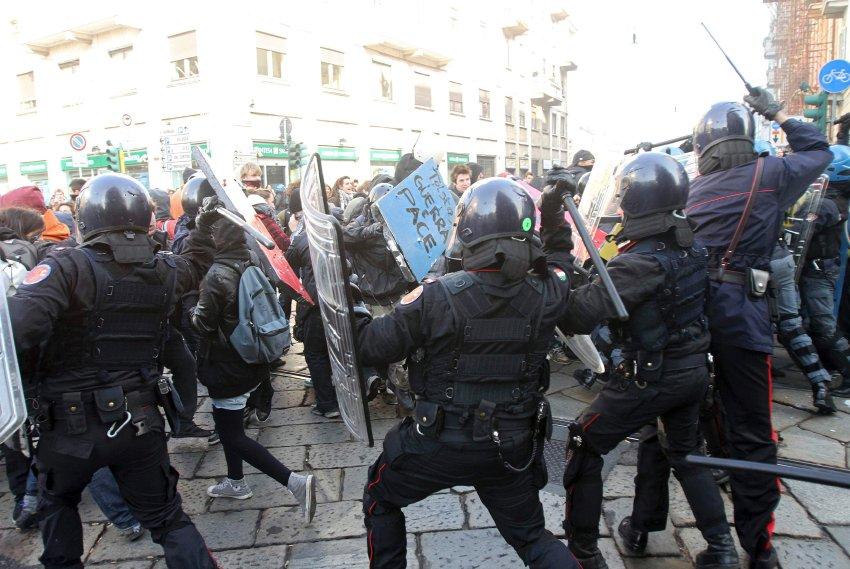 Противостояние студентов в Милане