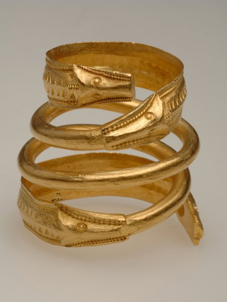 Кольцо - золото, эмаль, изумруд, алмаз,  Paul Brian 1900 год