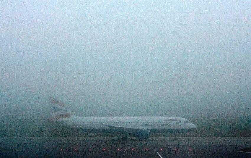 Аэропорт Хитроу, сотни отмененных рейсов