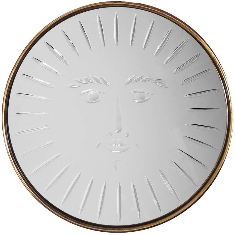 Зеркало-Солнце с ручной гравировкой и латунной рамкой