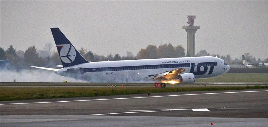 Boeing 767 с 227 пассажирами на борту делает вынужденную посадку в аэропорту Варшавы 1 ноября