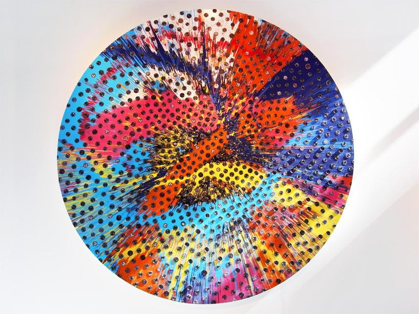 Часовой подсолнечник от английского художника Дэмиена Херста