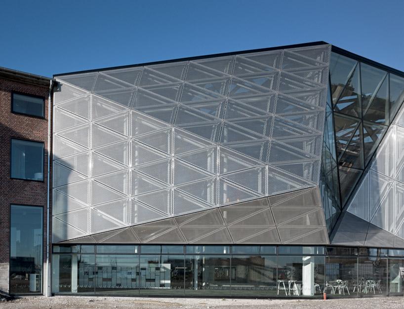 Ячеистая структура фасадного покрытия