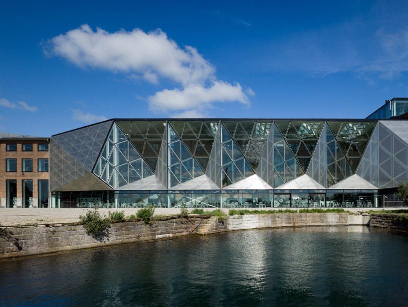 Обновленные фасады индустриальных зданий в Дании