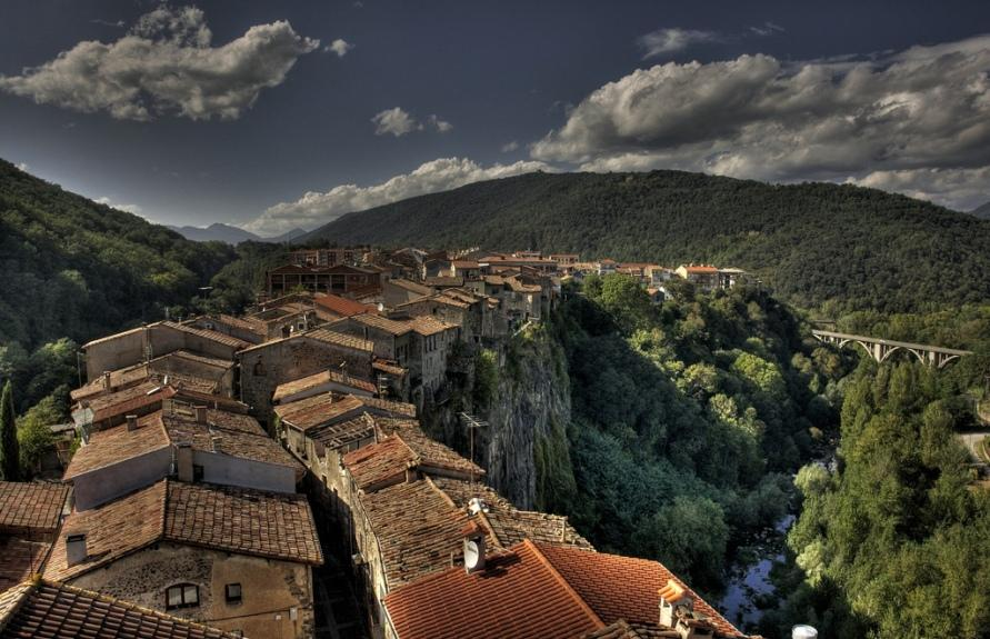 Castellfollit de la Roca в Испании