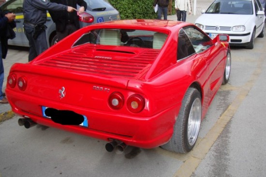 Pontiac, преобразованный в Ferrari