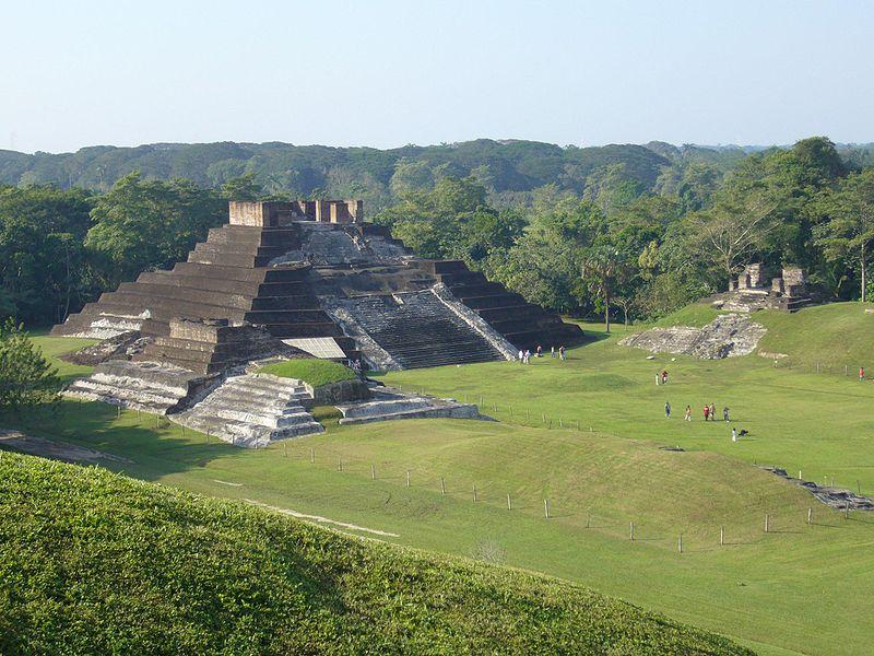 Храм Комалькалько в Мексике