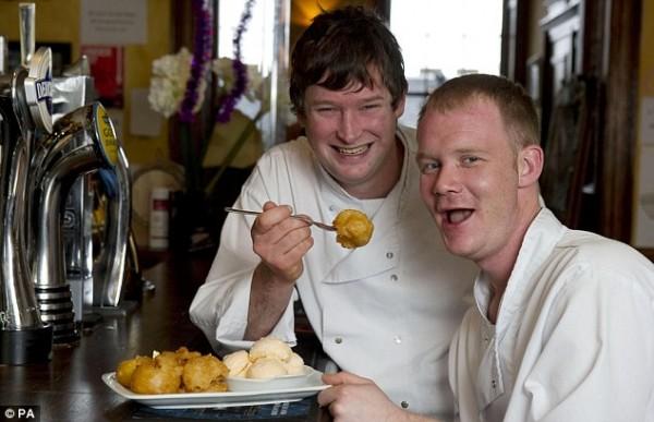Simon Robertson и Paul Fitchie представляют самое оригинальное блюдо