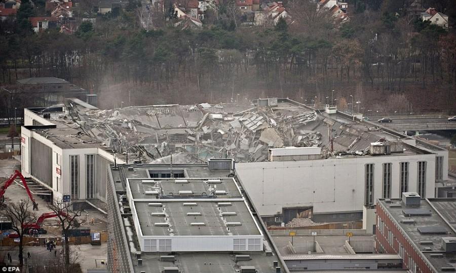 117-метровое здание уничтожено полностью