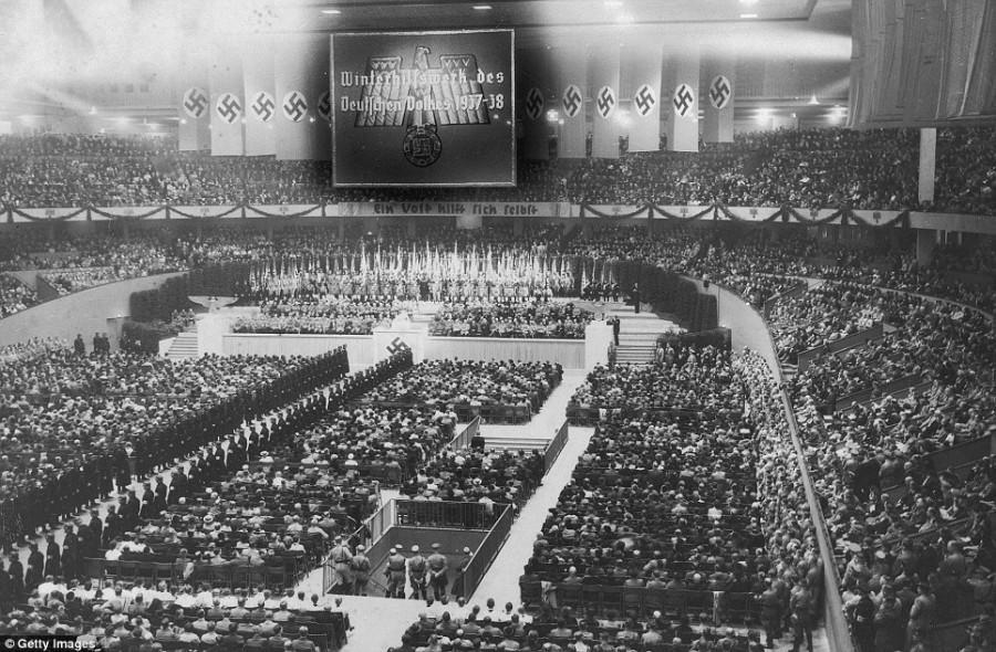 Митинг нацисткой партии в 1937 году