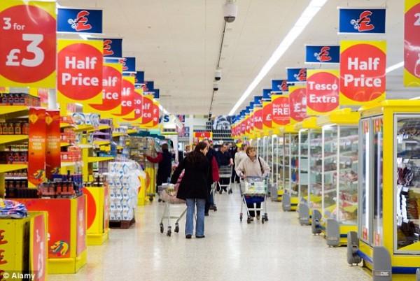 Скупка продуктов и воды - мудрая реакция или массовый психоз?