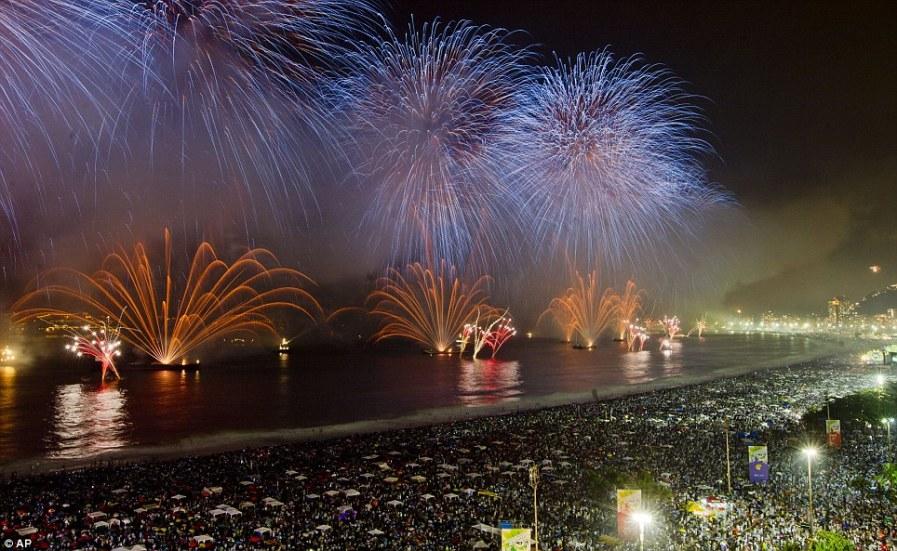 Более 3-х млн. человек собрались на пляже в Рио-де-Жанейро