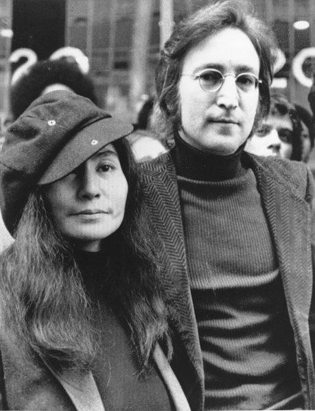 John Lennon и Yoko Ono в апреле 1972 года