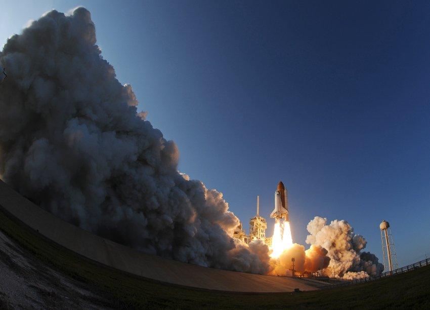 Завершение программы шаттлов NASA, Дискавери отправляется в последний, 39-ый полет