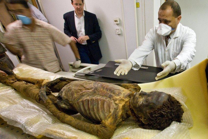 Ученые исследовали ряд египетских мумий и пришли к выводу, что древние египтяне страдали закупоркой артерий. На снимке принцесса Ahmose-Meryet-Amon из Фив, жившая в 1550 году до н.э.