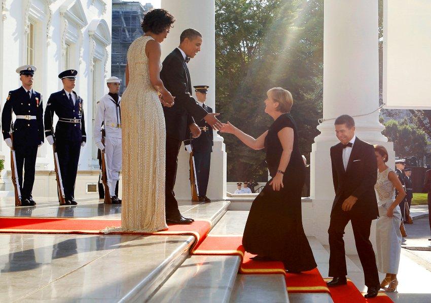 Редкие кадры - Ангела Меркель в платье, прием в Белом Доме, июль 2011 года