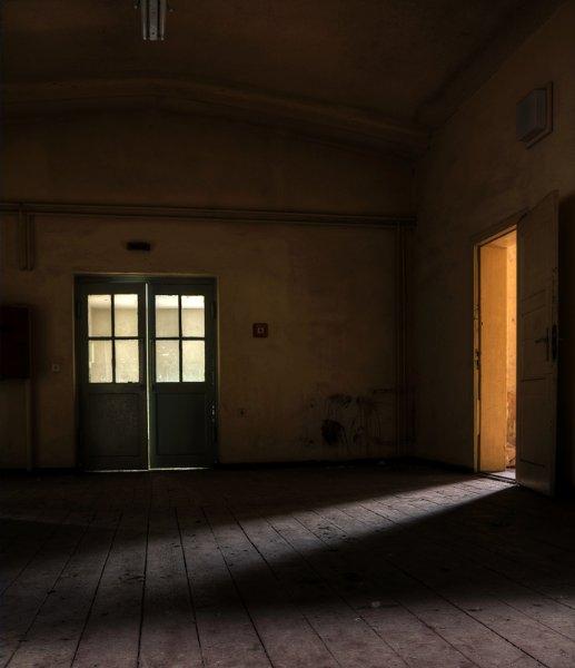 Безмолвные коридоры