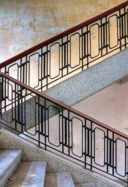 Привлекательная лестничная архитектура