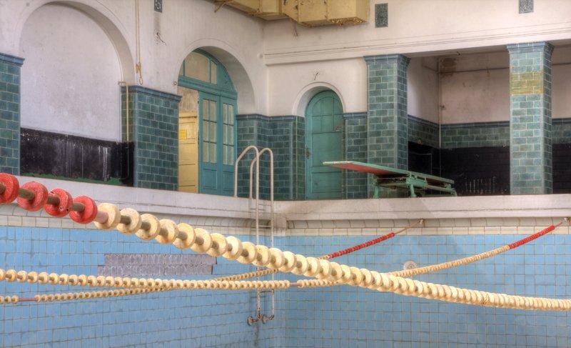Пустующий бассейн
