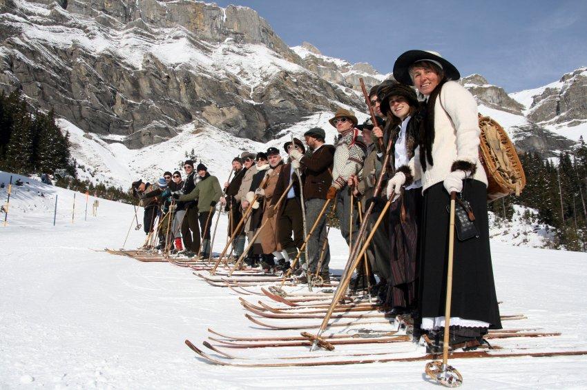 Затормозить на таких лыжах очень трудно, они не имеют стального края