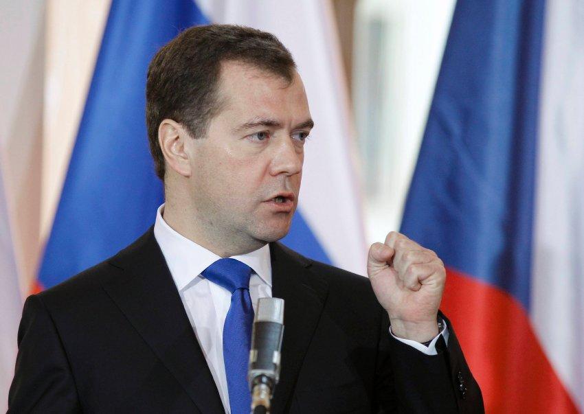 Дмитрий Медведев написал на  Facebook, что не согласен ни с одним из лозунгов, которые были на оппозиционном митинге