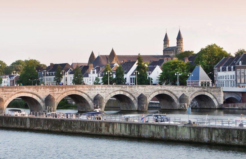 Город Маастрихт - историческое сердце Нидерландов