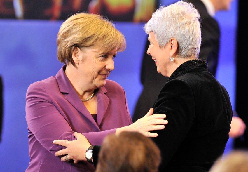 Меркель приглашает Хорватию в евро семью через год