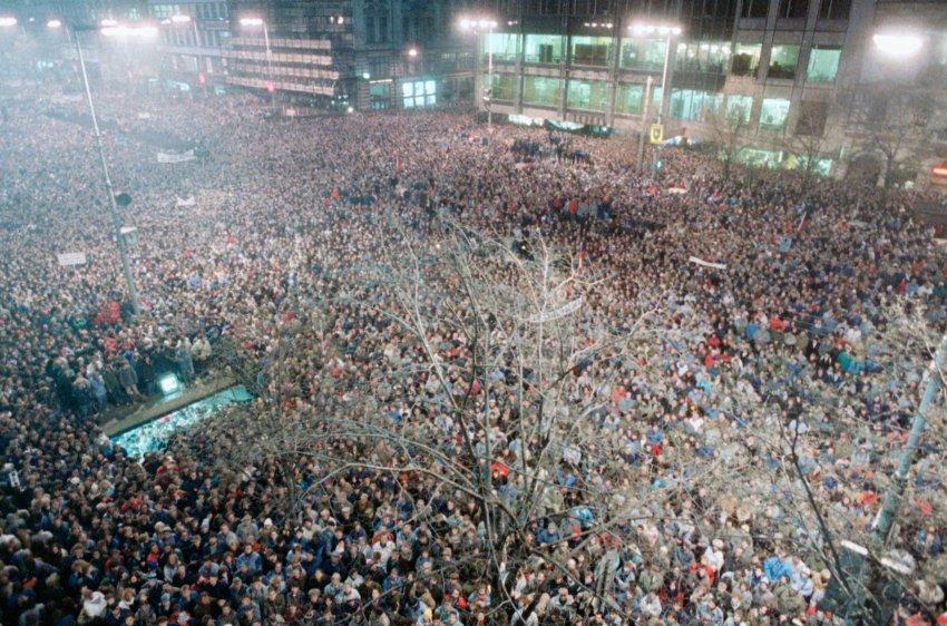 Первое публичное выступление Гавела в качестве лидера оппозиции в 1989 году в Праге на Вацлавской площади