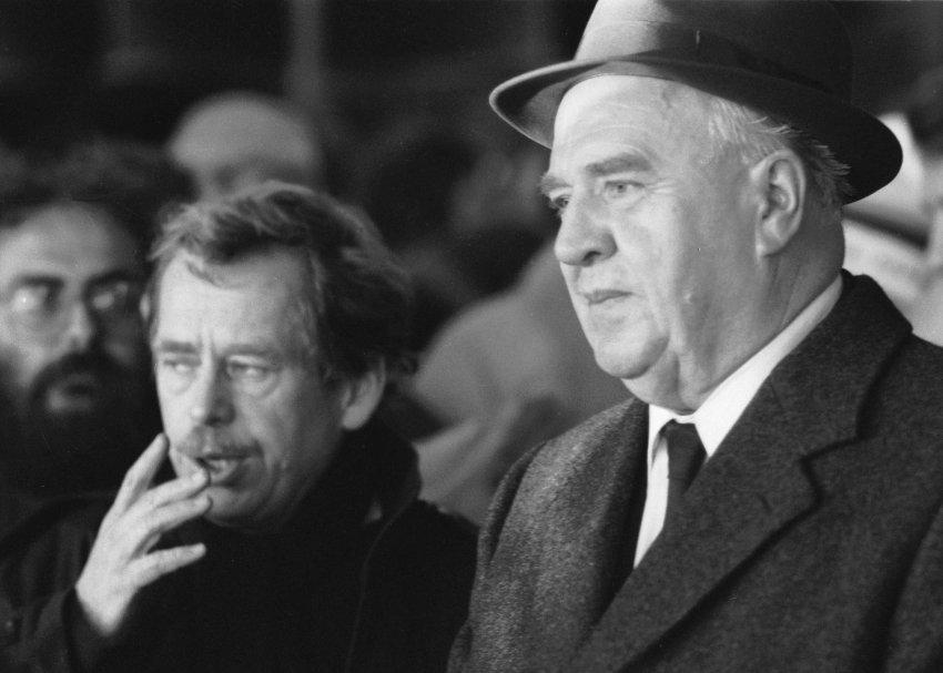 Vaclav Havel и Ladislav Adamec во время Бархатной Революции, 1989 год