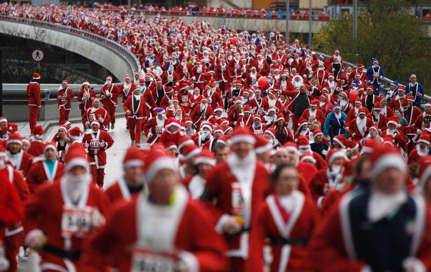 Забег Санта Клаусов в Ливерпуле на 5 километров