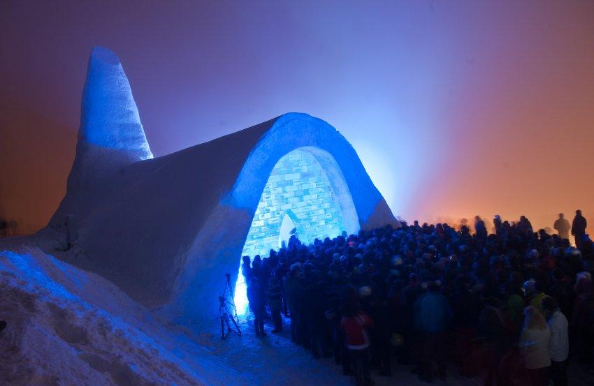 Открытие Церкви из снега в Баварии