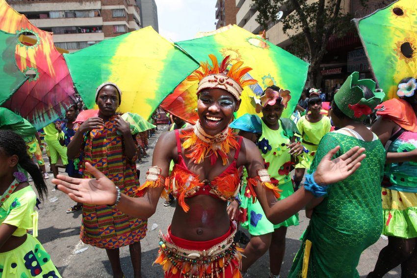 Красочный парад в Йоханнесбурге