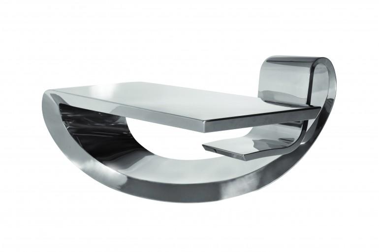 Стол Swilden от Peugeot
