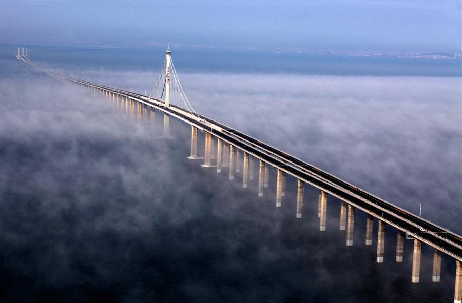 Открытие самого длинного моста в мире, Китай, 30 июня