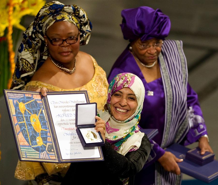 Три женщины получили Нобелевскую Премию Мира: Эллен Джонсон-Серлиф, Leymah Gbowee, Tawakkol Кармана, Осло, Норвегия, 10 декабря