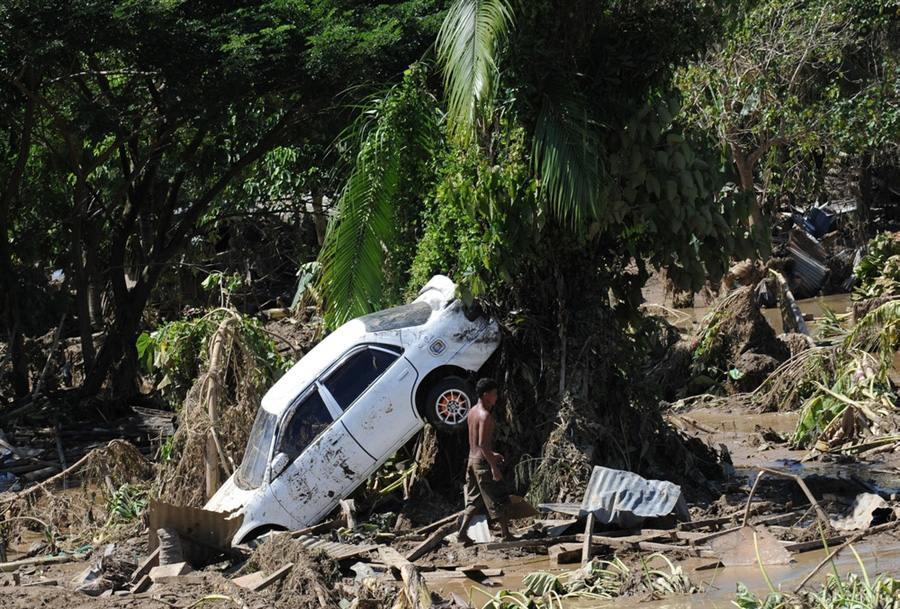 Тайфун Washi унес жизни почти 800 человек, Филиппины, 19 декабря
