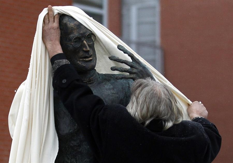 Первая скульптура, посвященная Стиву Джобсу открылась в Будапеште 21 декабря