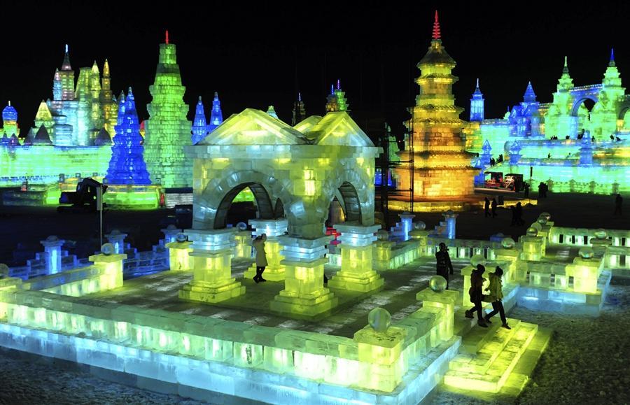 Открытие 13-й Харбинской выставки льда и снега 25 декабря