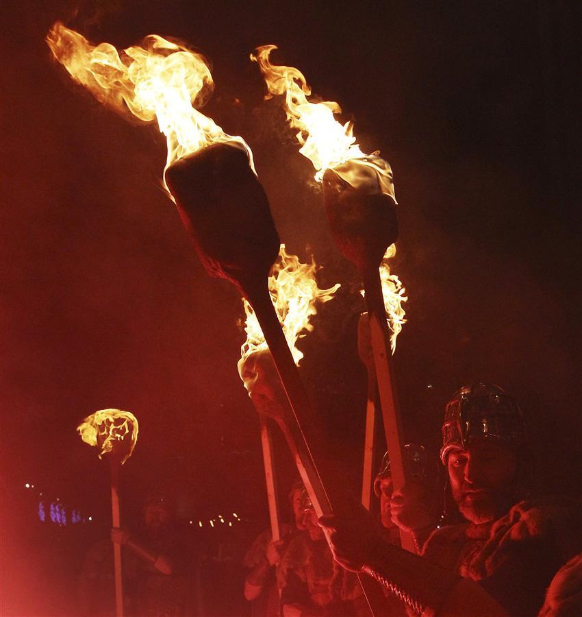 Факельное шествие викингов в Эдинбурге 30 декабря