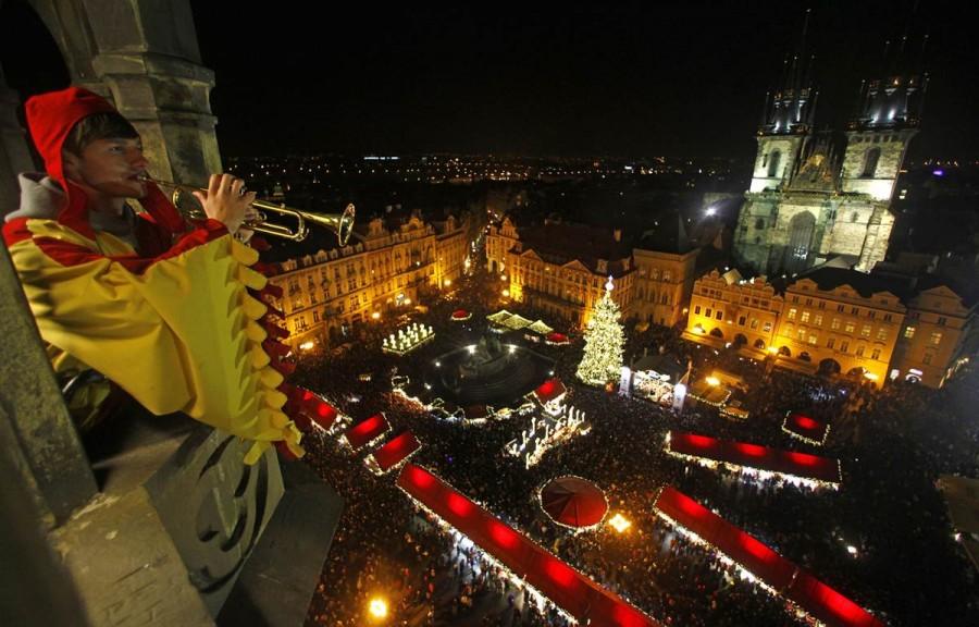 Открытие рождественского базара на Старомнестской площади в Праге