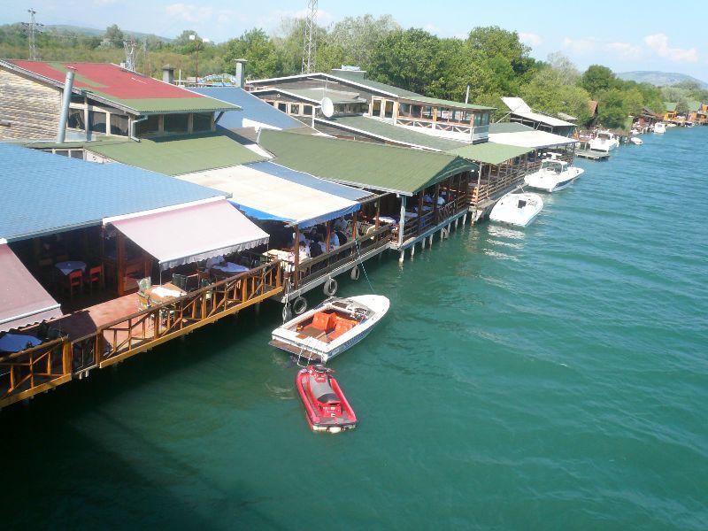 Остров Ада Бояна с гостиницами для любителей природного отдыха