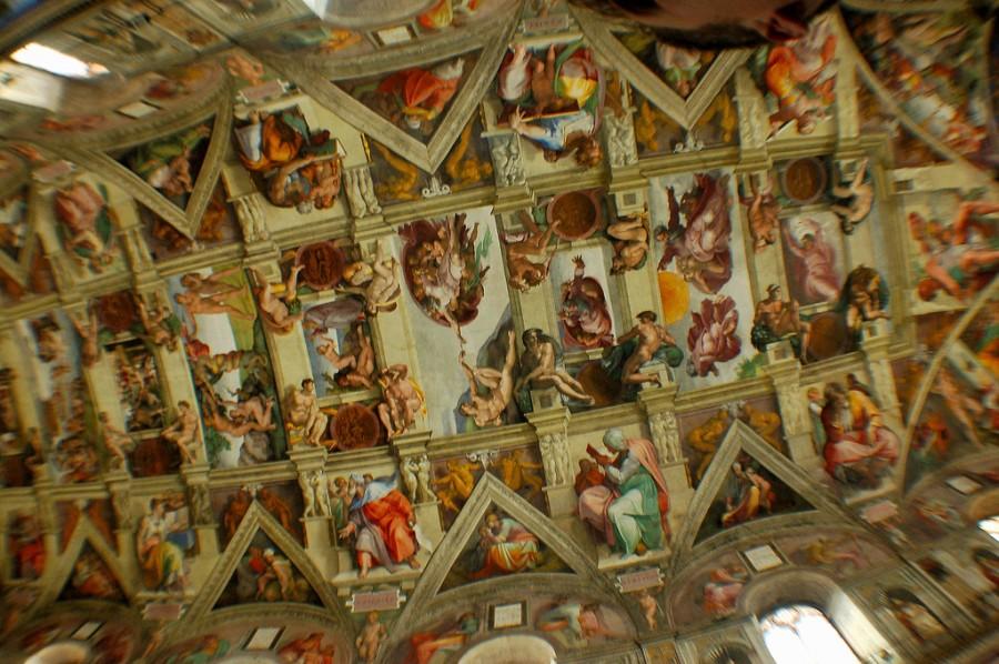 Это один из самых культовых потолков в истории, даже если его и запрещено фотографировать, Сикстинская капелла в Риме, фотограф Алон Банки