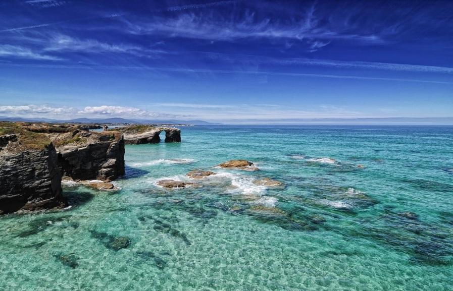 Такие бирюзовые воды, ну чем не тропический пляж