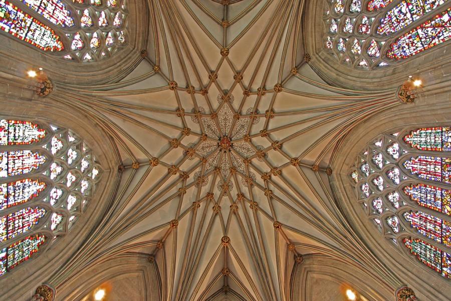 Часовня Леди, разработанная Томасом Уитни, была завершена к 1326, является составной частью Собора в Уэльсе, фотограф Лоуренс
