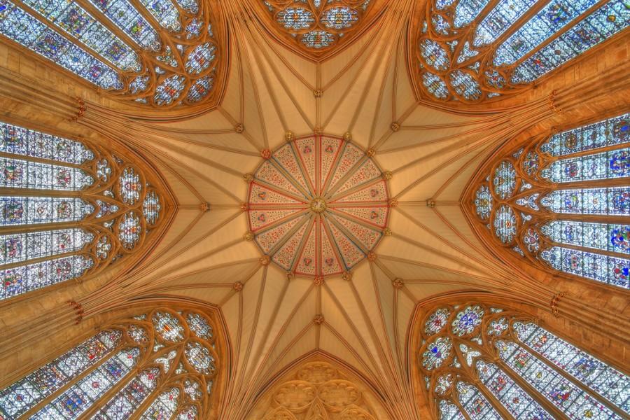 Собор Св. Петра в Йорке или Йоркский Собор готического стиля в Англии, фотограф Алекс Браун