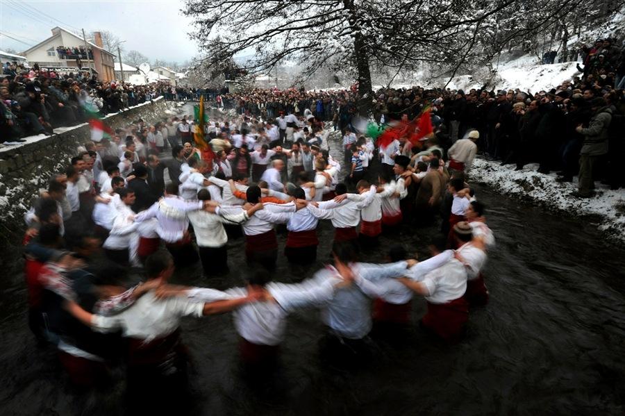 Это очень давняя традиция болгарского народа